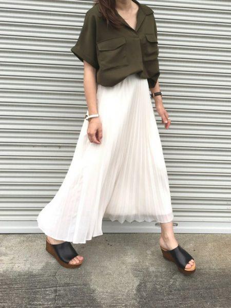 【Nosh更新】即買い決定♡ユニクロ「プリーツスカート」は楽カワでスグレモノ – Nosh(ナッシュ)